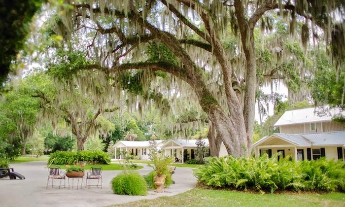 The Nest on Lake Weir - Ocklawaha, FL: 2-Night Stay with Boat Rental at The Nest on Lake Weir in Greater Orlando