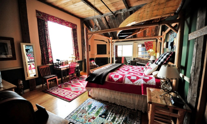 Common Man Inn & Spa - Plymouth, NH: 1-Night Stay for Up to Four at Common Man Inn & Spa in Plymouth, NH. Combine Up to 2 Nights.