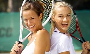 Circolo Tennis Carpi: 5 o 10 lezioni di tennis per adulti e per ragazzi al Circolo Tennis Carpi (sconto fino a 77%)
