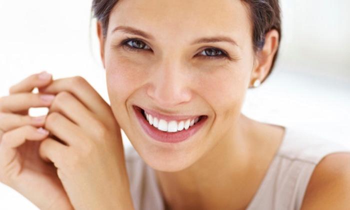 White&Beauty Dental Clinic Łuzycka - Wiele lokalizacji: Wybielanie zębów lampą LED za 99,99 zł w White&Beauty Dental Clinic - 2 lokalizacje