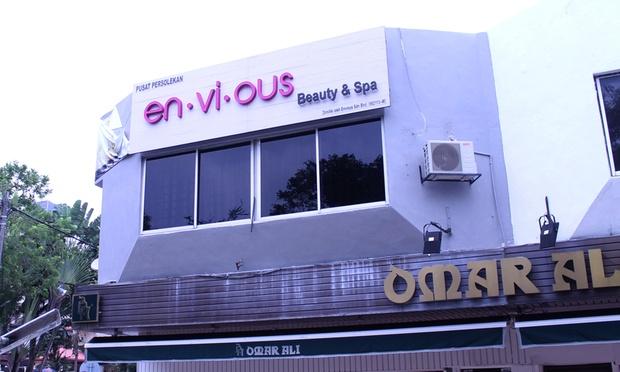 Envious---8-1000x600.jpg
