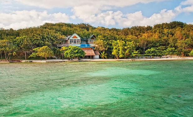TripAlertz wants you to check out 4-, 5-, or 7-Night Villa Stay for Two with Optional All-Inclusive Package at La Giralda, Guanaja in Honduras Honduran Island Villas with Direct Beach Access - Villas on Island in Honduras