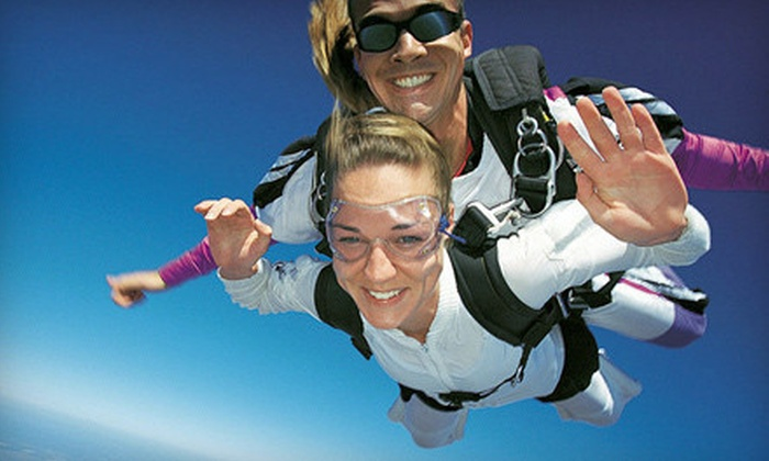 516-Skydive - The Hamptons: Tandem Skydive on Monday–Thursday or Friday–Sunday from 516-Skydive in East Moriches ($94 Off)