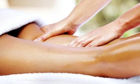 Bono de 2 o 4 sesiones de masaje a elegir desde 19,95 € en Centro Fisio Oferta en Groupon