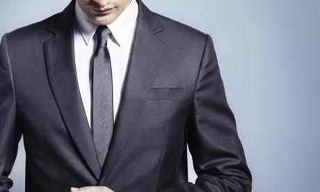 Traje de chaqueta a medida por 299 € y con camisa a medida por 369 €