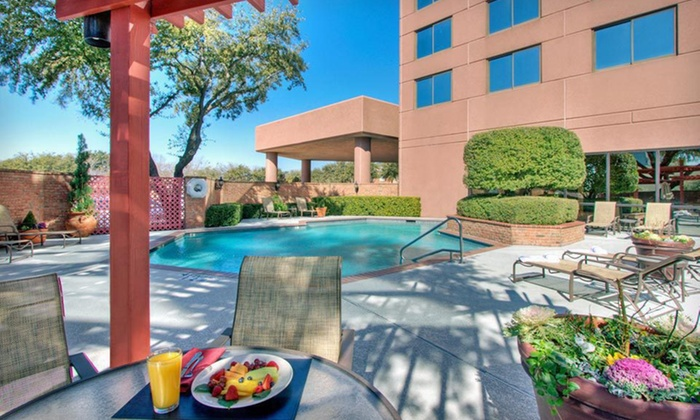 Wyndham Dallas Suites - Park Central - Preston Valley Villas: One- or Two-Night Stay for Two at Wyndham Dallas Suites – Park Central in Dallas