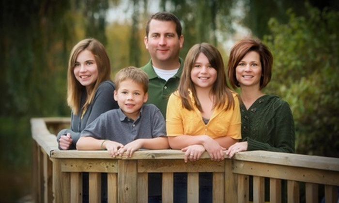 Smile America Portraits - Multiple Locations: $19 for an Outdoor Photo Shoot with Prints and E-view CD from Portrait Scene ($218 Value)