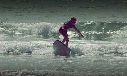 Curso de surf para una o dos personas en la Playa de Bahía