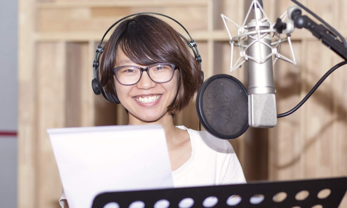 Listen To Melanie: $40 for an Online One-Hour Private Voice-over Lesson at Listen to Melanie ($80 Value)