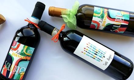 Bottiglia di vino con etichette a tema