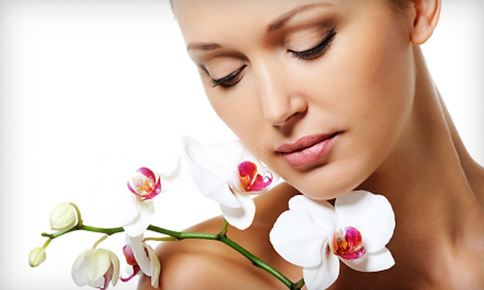 Clearstone Spa - University Place: One, Three, or Five HydraFacials or Lunchtime Micropeels at Clearstone Spa (Up to 74% Off)