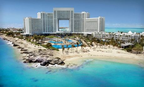 All-Inclusive Cancún Resort with Private Beach