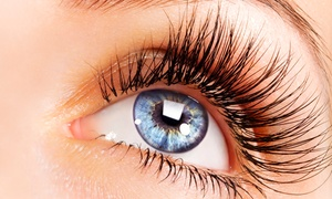 Extravaganza Nails and Spa: $62 for a Full Set of Eyelash Extensions at Extravaganza Nails and Spa ($120 Value)