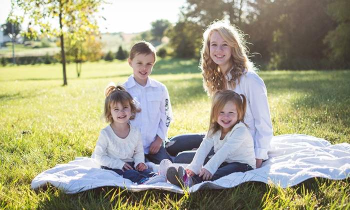 Kelsey Thompson Photography - Minneapolis / St Paul: $39 for a One-Hour On-Location Photo Shoot from Kelsey Thompson Photography ($240 Value)