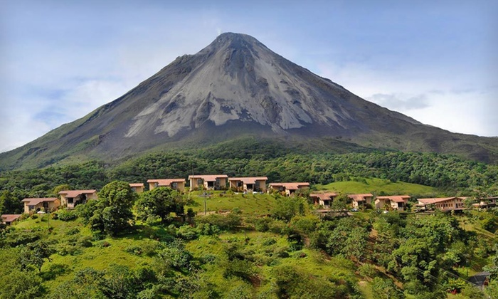 Arenal Kioro - Miami: Four-Night Stay with Options for Couples Massage at Arenal Kioro in Costa Rican Rainforest