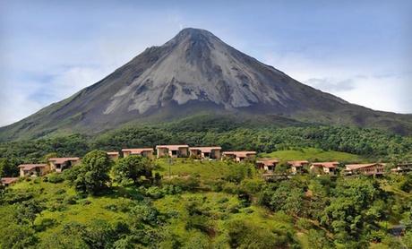 4-Star Costa Rica Hotel Overlooks Arenal Volcano