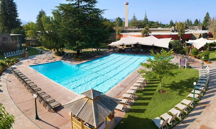 Flamingo Conference Resort and Spa - Santa Rosa, CA: 1-Night Stay with Wine Tastings, Breakfast, and Resort Credit at Flamingo Conference Resort and Spa in Santa Rosa, CA