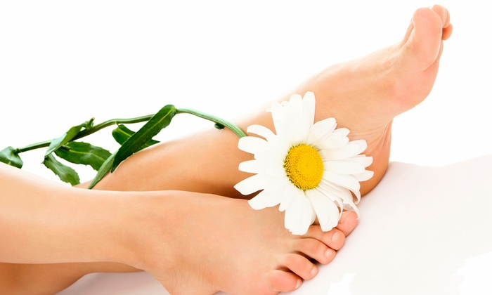 Wanna Glow - Clinton: Laser Toenail-Fungus Removal Treatment for One or Both Feet at Wanna Glow (Up to 57% Off)