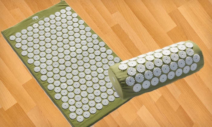 Bed of Nails Acupressure Mat and Pillow: Bed of Nails Acupressure Mat with Optional Pillow (Up to 48% Off). Free Shipping and Free Returns.