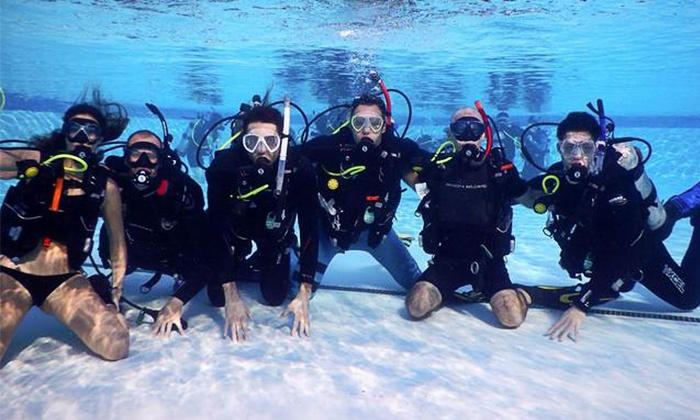 Eco Dive Center - Culver City: $324 for PADI Open-Water Scuba Diver Certification at Eco Dive Center ($699 Value)