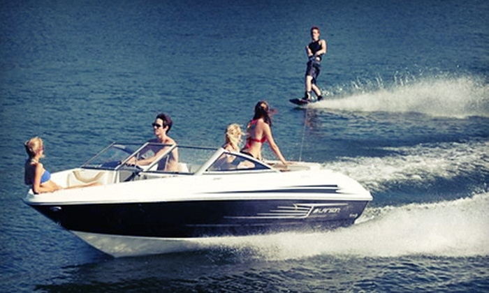 Vacation Sports Rentals - Downtown: $84 for a Two-Hour Speedboat Rental from Vacation Sports Rentals ($200 Value)