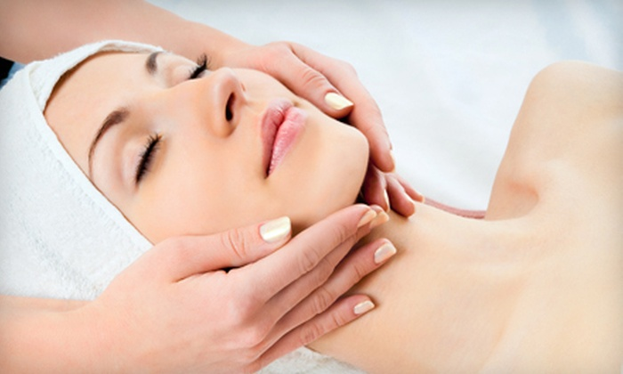 Qi Spa - Northwest Washington: Parisian or Microdermabrasion Facial at Qi Spa (Up to 55% Off)