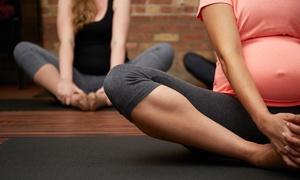 Scuola Yoga Shakti: 3 o 6 mesi di lezioni di yoga e corso pre-parto per una o 2 persone da Scuola Yoga Shakti (sconto fino a 85%)