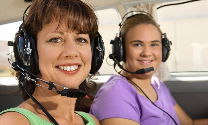 New York Flight Academy - East Farmingdale: $109 for Discovery Flight Lesson with 45-Minute Flight from New York Flight Academy ($198 Value)