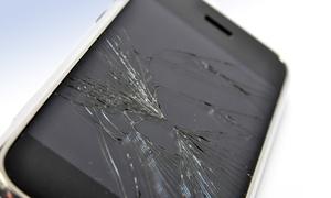Phone less: Akkutausch oder Display-Reparatur für iPhone-Modelle oder Glas-Reparatur für Galaxy S3/S4 mini bei Phone less ab 24,90 €