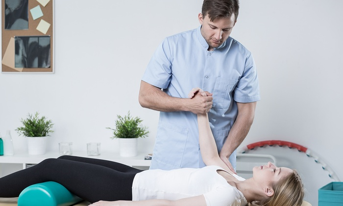 How Chiropractors treat and cure the back pain?