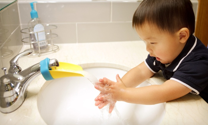 Peachy Aqueduck Faucet Extenders: One or Two Peachy Aqueduck Faucet Extenders (Up to 54% Off). Multiple Colors Available. Free Returns.