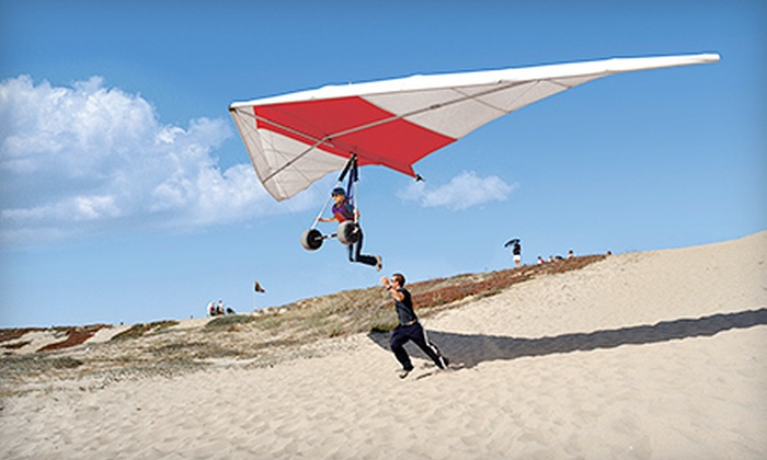 Windsports Soaring Center - El Segundo: Full-Beach Hang-Gliding Lesson from Windsports Soaring Center (46% Off). Two Options Available.