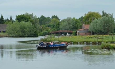 1h de balade en bateau avec visite commentée dans le Marais Audomarois à 2 ou en famille dès 9,99 €