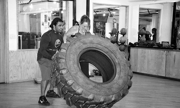 Leo Results Fitness - Flatiron District: Two, Four, or Six Personal Training Sessions and 1-Month Gym Membership at Leo Results Fitness (Up to 77% Off)