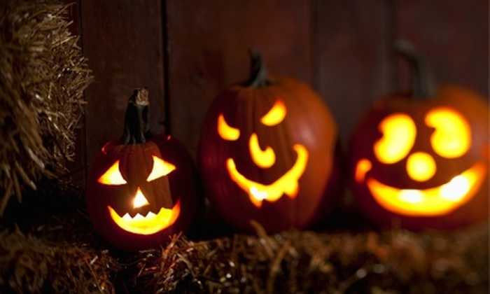 Haunt Manor - Niagara Falls: $14 for a Haunted Hayride for Two with Hot Chocolate at Haunt Manor ($29 Value). Three Weekends Available.