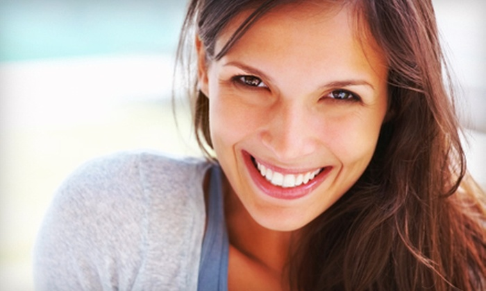Center for Complete Dentistry - Aventura: $29 for a Dental Package with Exam, X-rays, and Cleaning at Center for Complete Dentistry in Aventura (Up to $243 Value)