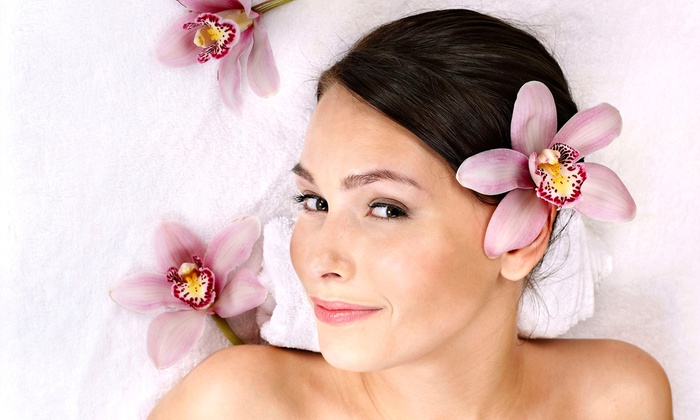 Spa Dew - Fort Lee: 60-Minute Aroma Essential Facial with Optional Vitamin or Collagen Mask and Back Massage at Spa Dew (Up to 55% Off)