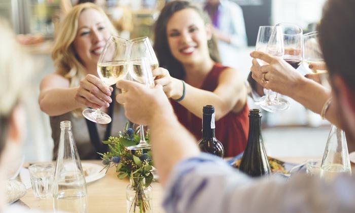Tiziano Holding - Essen: After-Work-Lounging mit Antipasti, Prosecco und Dessert für Zwei oder Vier bei Tiziano Holding (bis zu 58% sparen*)