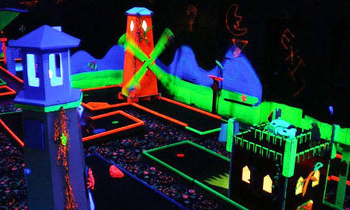 Pirate Mini Golf - Southington: $12 for Two Rounds of Mini Golf for Two at Pirate Mini Golf ($24 Value)