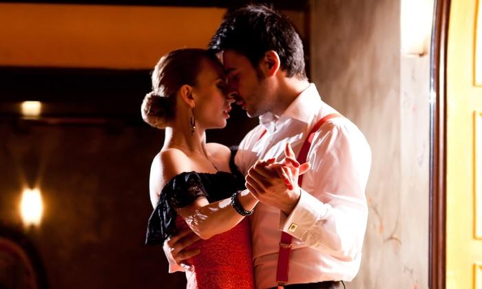 Estilo Dance Studio - North Philadelphia East: Four or Eight Salsa and Latin-Dance Classes at Estilo Dance Studio (50% Off)