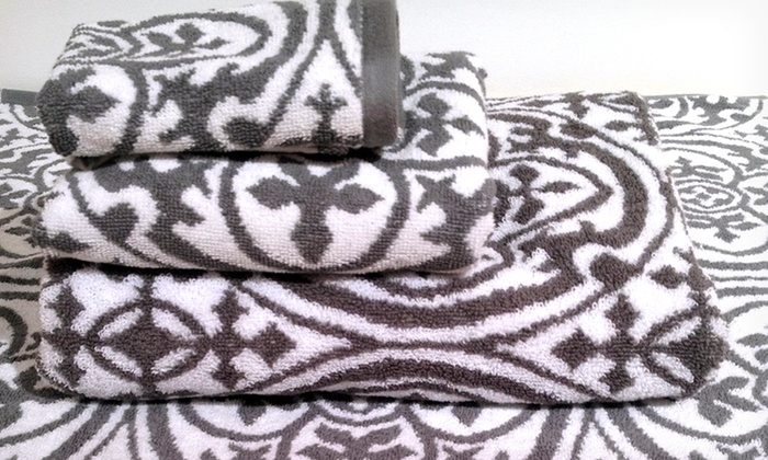 4-Piece Jacquard Towel Set: 4-Piece Jacquard Towel Set. Multiple Designs Available. Free Shipping.