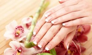 West Nails: Maniküre mit Paraffinbad, optional 1 oder 2 Anwendungen, bei West Nails ab 19,90 € (bis zu 56% sparen*)