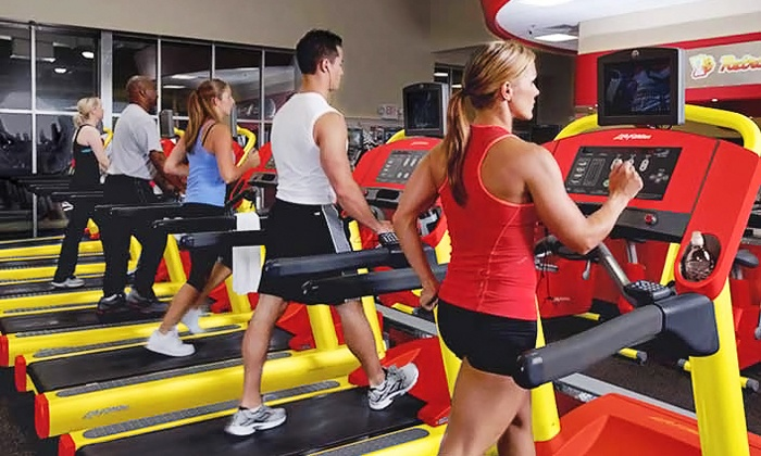 Retro Fitness of Carol Stream - Carol Stream: Personal Training Sessions or Five Months of Group Fitness Class at Retro Fitness of Carol Stream (Up to 71% Off)