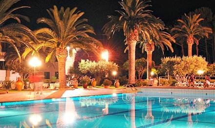 Calabria: 7 notti per 1 persona in All inclusive soft, bimbo gratis e servizio spiaggia allHotel Villaggio Guglielmo