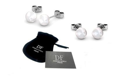 Orecchini con perle bianche