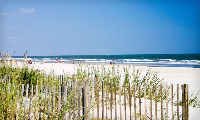 Crown Reef Resort - Myrtle Beach, SC: One-, Two-, or Three-Night Stay at Crown Reef Resort in Myrtle Beach, SC