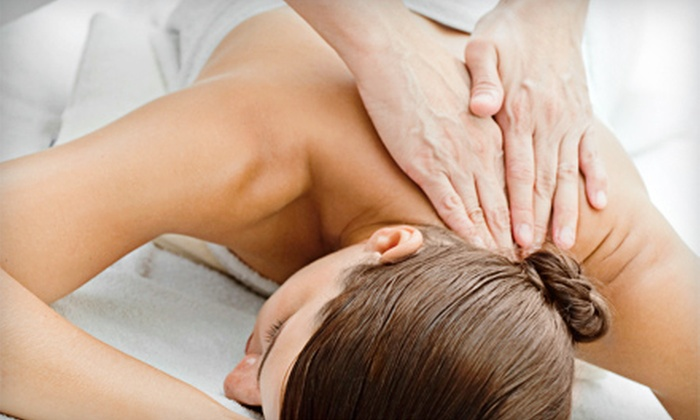 Atlanta Chiropractic and Massage - Multiple Locations: $35 for One-Hour Massage and Chiropractic Exam at Atlanta Chiropractic and Massage ($190 Value)