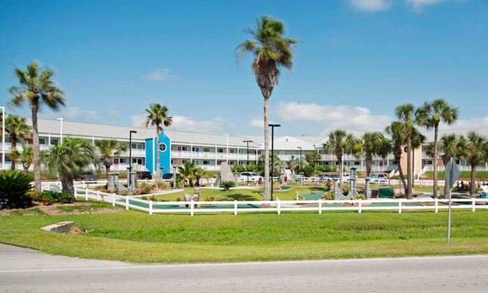 Inn at the Waterpark - Galveston, TX: Stay for two at Inn at the Waterpark in Galveston, TX; Dates Available Into December