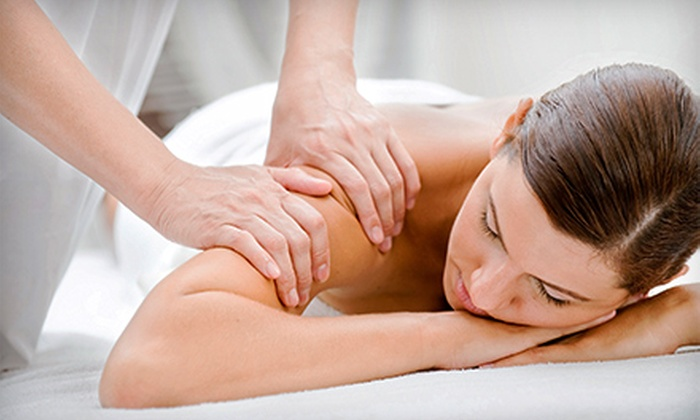 LaVida Massage - Franklin Center: $30 for a 60-Minute Custom Massage at LaVida Massage ($69.95 Value)