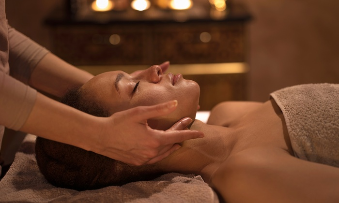 The Beauty Queen (Hull) - Hull: Full-Body Massage with Optional Facial at The Beauty Queen